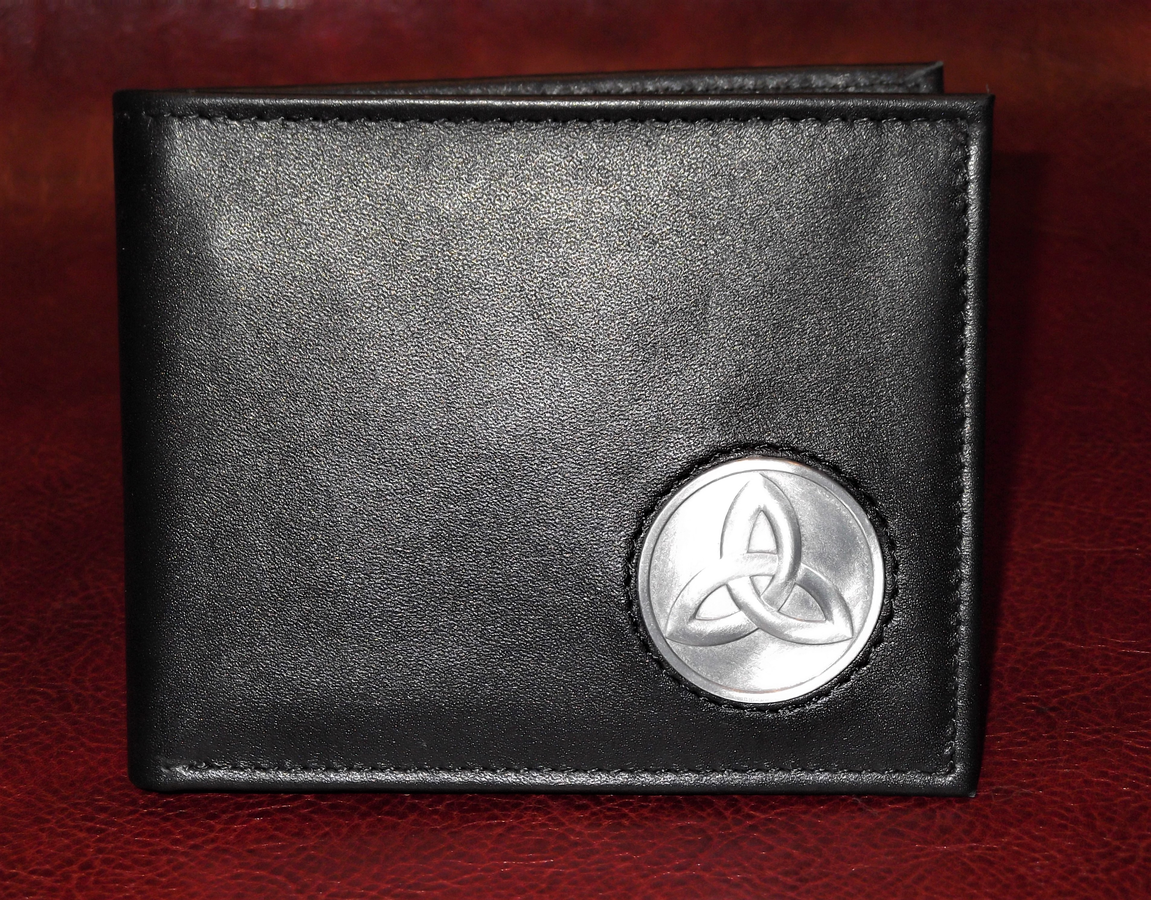 Celtic Ireland Irish Black Leather Billfold Wallet with Trinity knot emblem